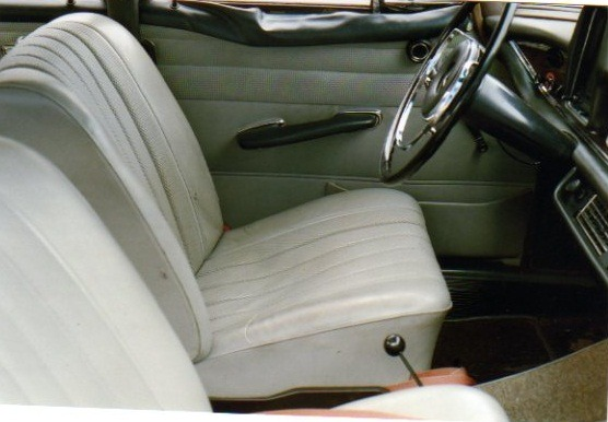 1967 Mercedes-Benz 230 S - Interior